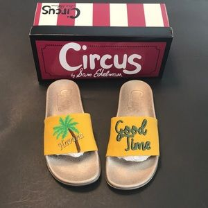 NIB Circus by Sam Edelman Flynn Pool slides